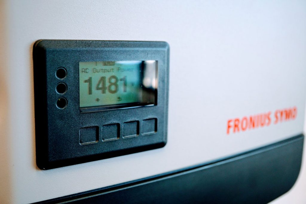 Fronius Symo Solar Inverter Display - Solar Review